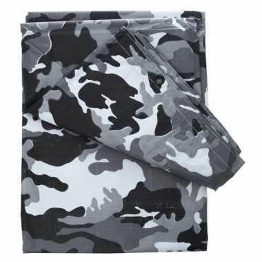 Camouflage afdekzeil bij meter