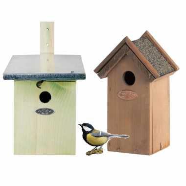 Voordeelset stuks houten vogelhuisjes/nestkastjes groen houtkleur