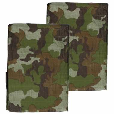 X stuks groen camouflage afdekzeilen / dekzeilen bij meter