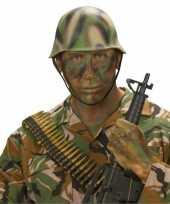 Camouflage helm soldaat
